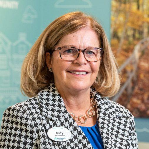 Judy Desmeules headshot